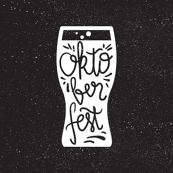 Iscrizione dell'oktoberfest. elemento di design fatto a mano per il festival della birra per badge, adesivo, poster e stampa, t-shirt, abbigliamento. vettore