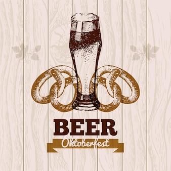 Sfondo vintage dell'oktoberfest. illustrazione disegnata a mano di birra. progettazione del menu