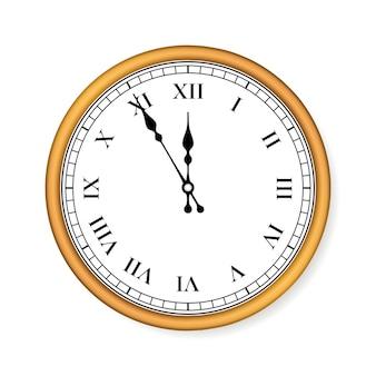 Vecchio orologio circle su sfondo bianco.