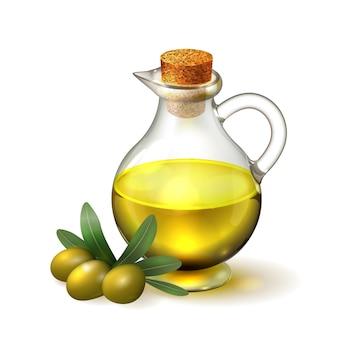 Olio d'oliva in una bottiglia di vetro con manico e corck e olive con foglie verdi