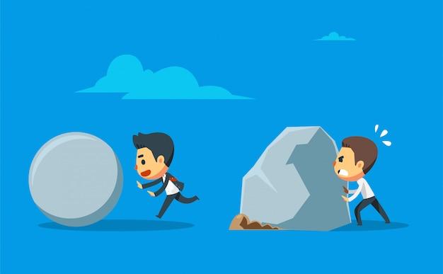 Un uomo d'affari spinge il masso di pietra rotondo mentre l'altro spinge il masso gigante. differenziazione tra lavoro duro e lavoro intelligente