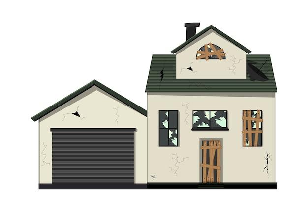 Vecchia casa fatiscente a un piano prima della ristrutturazione