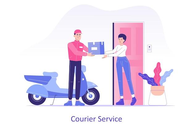 Consegna online a domicilio con corriere che dà una scatola alla donna