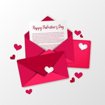 Lettera d'amore aperta, busta rosa dolce per biglietto di auguri di san valentino e concetto di illustrazione di invito vista dall'alto con sfondo bianco