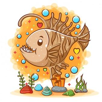 Il mostro arancione del pesce angelo vive nelle profondità del mare