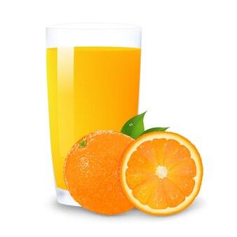 Succo d'arancia e fette di arancia, isolato su sfondo bianco