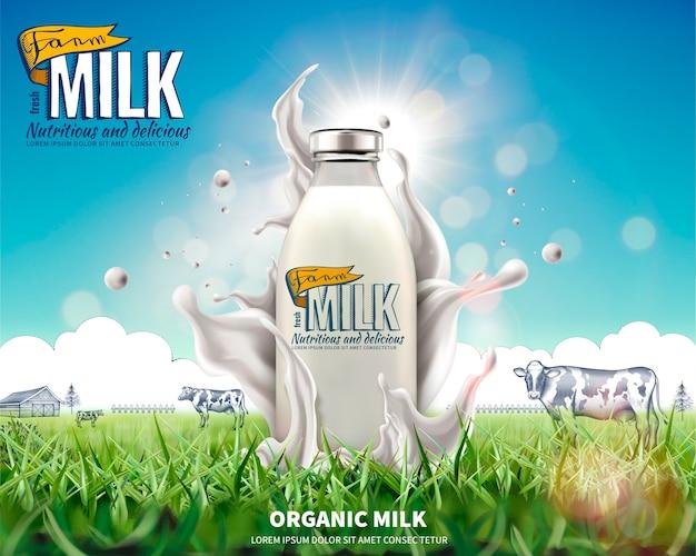 Annunci di latte in bottiglia biologico con schizzi di liquido sul prato