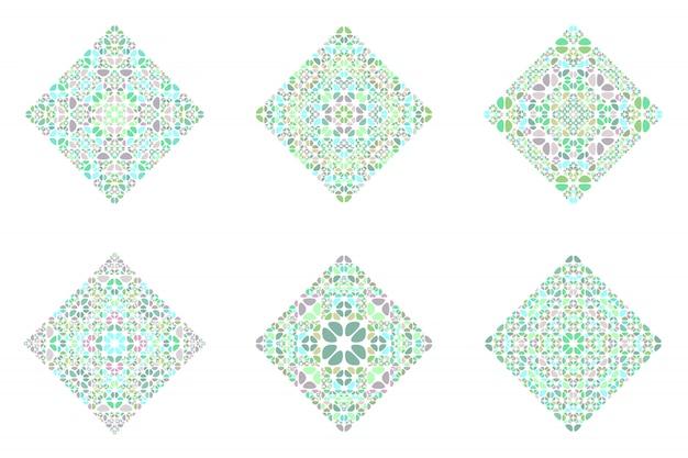 Insieme del poligono del quadrato dell'ornamento del mosaico floreale geometrico isolato decorato