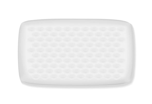 Cuscino ortopedico con effetto memoria su sfondo bianco