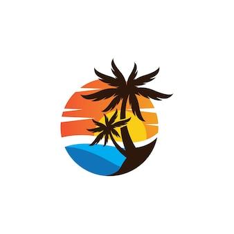 Progettazione dell'illustrazione di immagini di logo di estate della palma