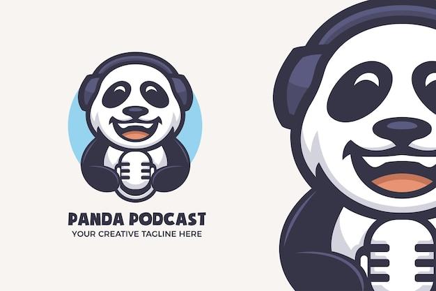 Modello di logo del personaggio della mascotte di panda podcast entertainment