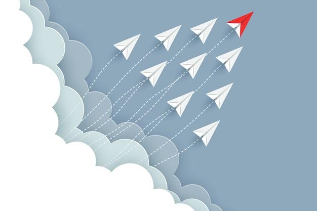 L'aeroplano di carta rosso e bianco vola verso il cielo. idea creativa. cartone animato di illustrazione vettoriale