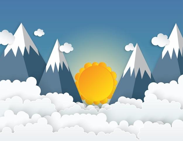 Montagne di origami di arte di carta con soffici nuvole bianche come la neve cielo blu alba