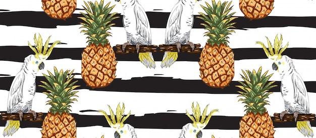 Pappagalli e modello di ananas