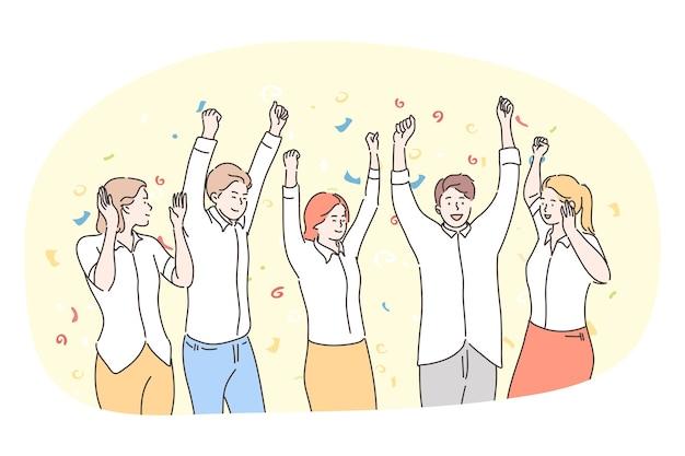 Festa, divertimento, celebrazione, concetto di vacanza. gruppo di adolescenti di amici di persone sorridenti felici che ballano, celebrano le vacanze e si sentono eccitati con le mani alzate insieme. divertimento, vittoria, vittoria, squadra