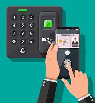 Dispositivo di sicurezza con password e impronte digitali in ufficio o alla porta di casa