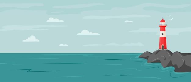 Tranquillo paesaggio balneare con faro sulla roccia