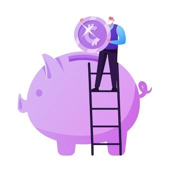 Risparmio di fondi pensione, assicurazioni. piccolo uomo anziano in piedi sulla scala metti una moneta enorme nel salvadanaio