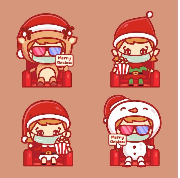Il personaggio natalizio della gente indossa una maschera medica per guardare un film. nuovo concetto normale nel cinema durante il periodo natalizio.