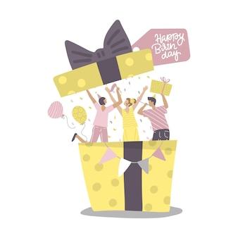 Le persone che saltano fuori dalla confezione regalo alla festa di compleanno sono preimpostate con uomini e donne felici che celebrano il compleanno