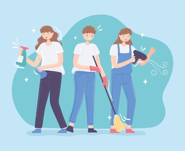 Persone che puliscono casa