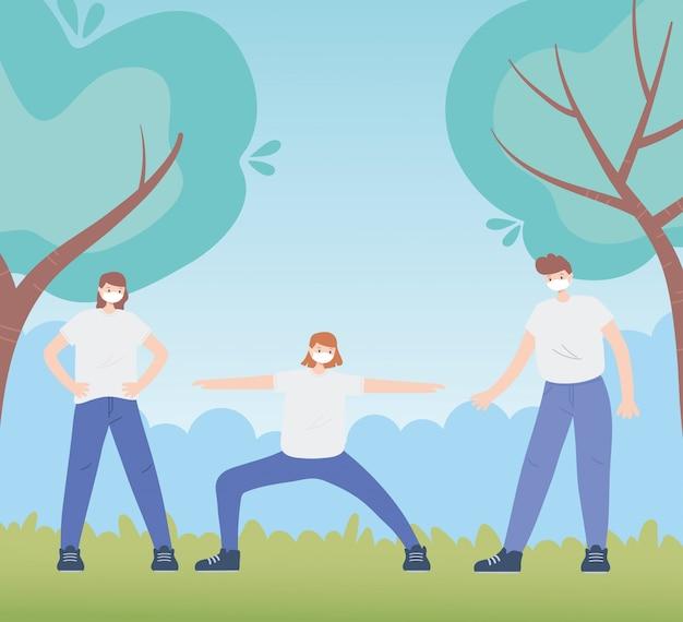 Persone con mascherina medica, gruppo di uomini e donne che praticano esercizi all'aperto