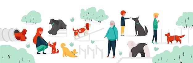 Persone con animali domestici al parco. area del parco cittadino con personaggi dei cartoni animati che addestrano i loro animali domestici. vector uomo donna bambini attività all'aperto che giocano con i cani