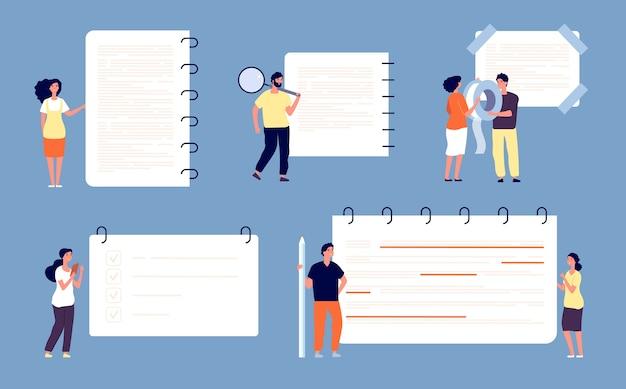 Le persone scrivono note. piccoli uomini e donne con enormi fogli di quaderno, forniture per ufficio e concetto di vettore di lista di controllo. modulo del taccuino dell'ufficio, illustrazione della lista di controllo del documento informativo