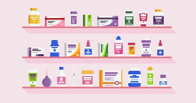 Scaffali della farmacia con bottiglie vitamine medicina pillole capsule compresse farmaco antibiotico assistenza sanitaria