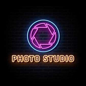 Vettore del testo del segno del logo al neon dello studio fotografico