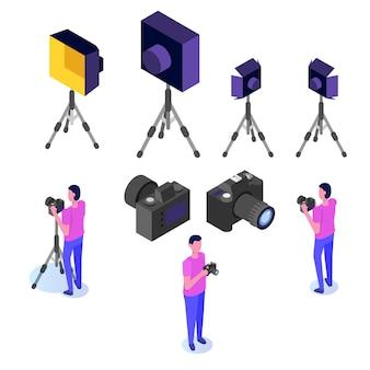 Attrezzatura da lavoro per fotografo. treppiede, macchine fotografiche, impianti di illuminazione. set di icone isometriche