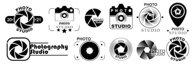 Modelli di logo di fotografia, isolati su priorità bassa bianca. set di loghi fotografici. disegni di logo in stile moderno. illustrazione vettoriale