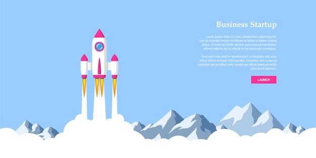 Immagine del razzo che vola sopra le nuvole, concetto di banner di avvio aziendale,