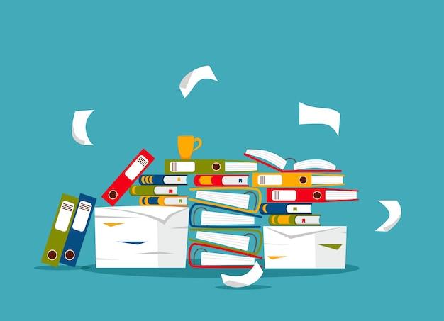 Pila di carte da ufficio, documenti e concetto di cartelle di file. documenti disordinati non organizzati stress, scadenza, burocrazia, illustrazione piatta del fumetto di scartoffie pesanti.