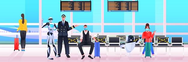Pilota in robot uniforme e passeggeri in maschera nel concetto di tecnologia di intelligenza artificiale del terminal dell'aeroporto