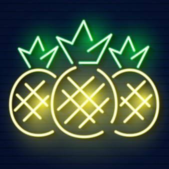 Icona della luce al neon di ananas. segno luminoso illustrazione vettoriale isolato