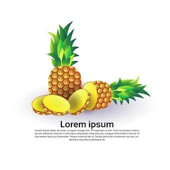 Ananas su sfondo bianco, stile di vita sano o concetto di dieta, logo per frutta fresca