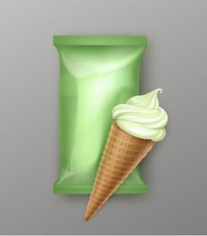 Cono di cialda gelato al pistacchio, kiwi, menta, gelato morbido con involucro di pellicola di plastica per il pacchetto di branding da vicino sullo sfondo