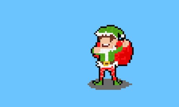 Carattere dell'elfo di natale del fumetto di arte del pixel che tiene sacchetto rosso.