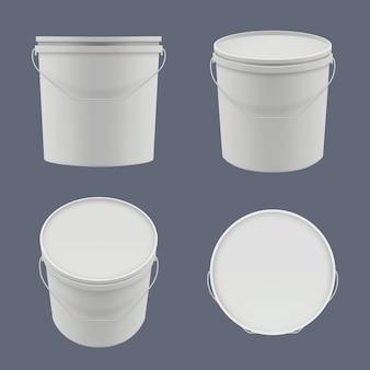 Secchielli di plastica. contenitori per yogurt o liquidi da costruzione, modelli, vettore, secchi vuoti. secchio contenitore per vernice, illustrazione realistica del contenitore