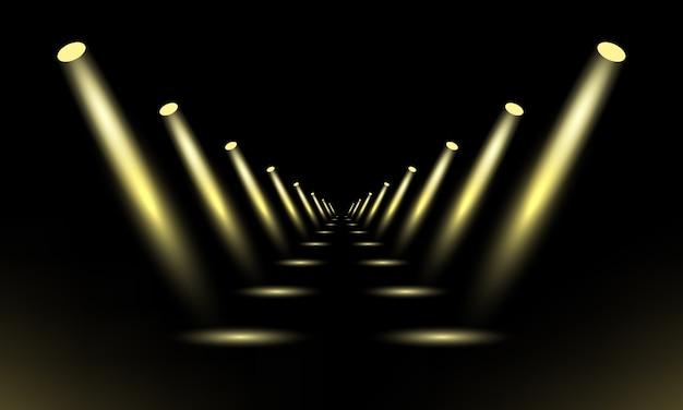 Podio, piedistallo o piattaforma illuminata da faretti su sfondo nero. palco con luci sceniche.
