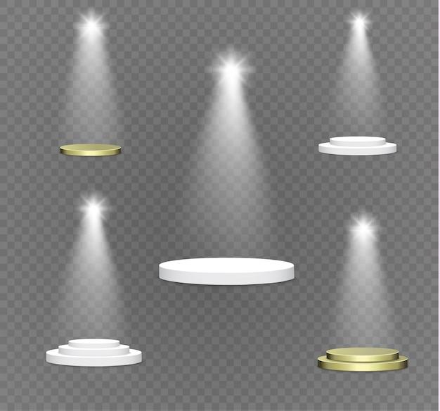 Podio su uno sfondo trasparente. il podio dei vincitori con luci intense. spotlight. illuminazione. illustration.attention.