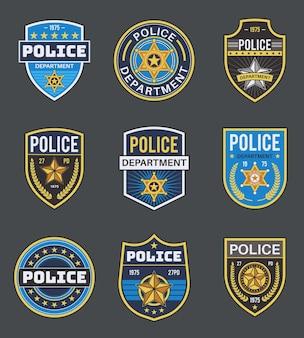 La polizia etichetta l'illustrazione dei distintivi delle forze dell'ordine