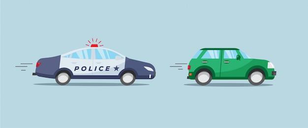 Auto di pattuglia della polizia con luce rossa lampeggiante a caccia di auto verde.