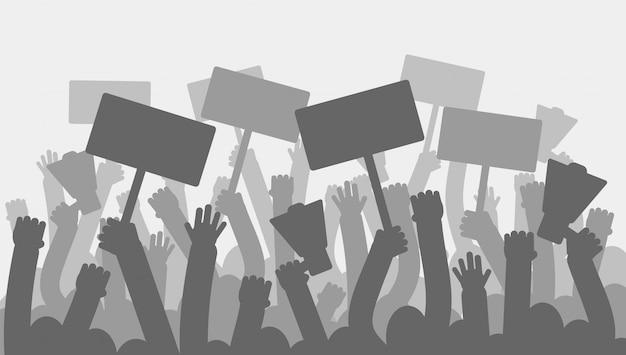 Protesta politica con mani di manifestanti sagoma tenendo il megafono, striscioni e bandiere.