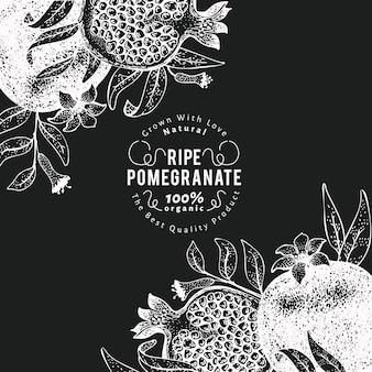 Modello struttura frutta melograno. illustrazione disegnata a mano della frutta di vettore sulla lavagna. sfondo botanico vintage.