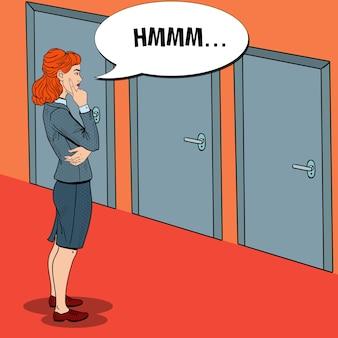 Pop art donna d'affari dubbiosa scegliendo la porta giusta.