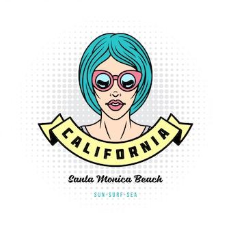 Ragazza o donna positiva di stile di pop art in occhiali da sole