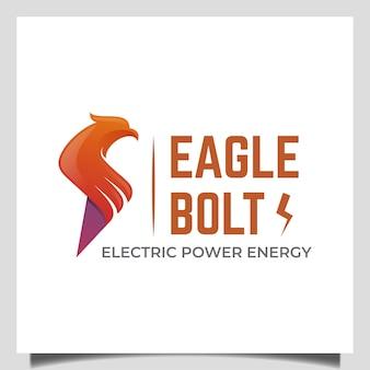 Power energy eagle flash logo design con icona fulmine simbolo vettoriale