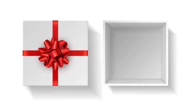 Scatola regalo con fiocco rosso. astuccio aperto quadrato bianco regalo vista dall'alto con nastro rosso. modello di confezione regalo di compleanno, natale o san valentino. mockup isolato realistico di vettore dell'involucro alla moda della decorazione